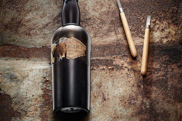 W Polsce otworzono butelkę najstarszej whisky na świecie.